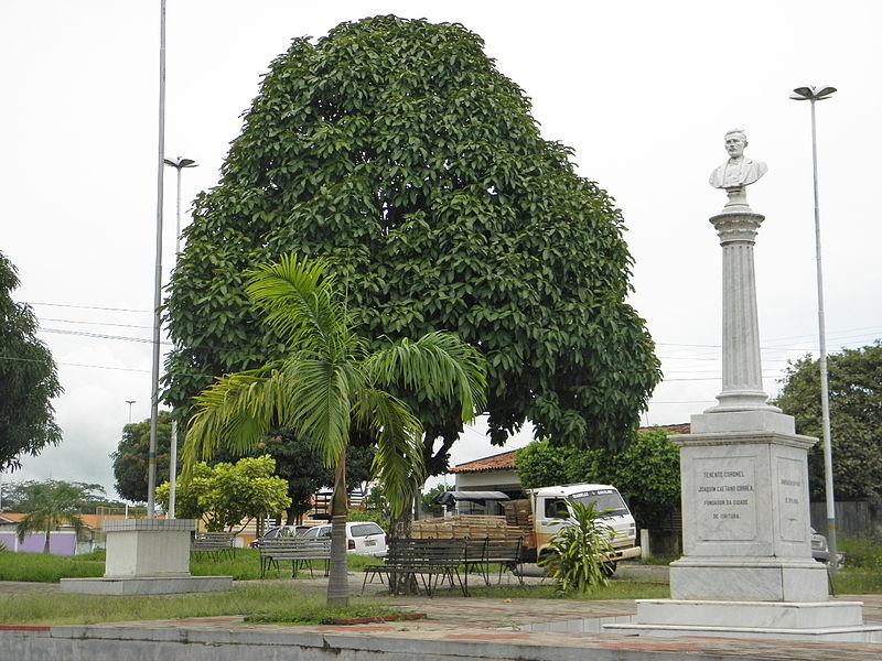 Ficheiro:Praca da Bandeira (4) em Itaituba.jpg