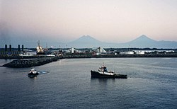 Puerto Quetzal at dawn.jpg