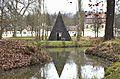 Pyramide Staatspark Hanau-Wilhelmsbad.JPG