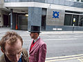Queue for the Bank of England (9886108776).jpg