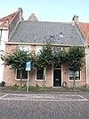 foto van Huis met lijstgevel parterre en verdieping