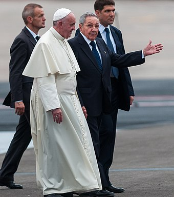 Pope Francis with Cuban leader Raul Castro, September 2015 Raul-castro-papa-francisco.jpg
