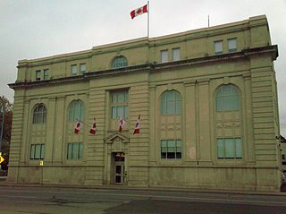 Revenue Canada By Xtabi (Own work) [CC-BY-SA-3.0 (https://creativecommons.org/licenses/by-sa/3.0)], via Wikimedia Commons