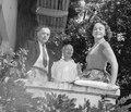 Richard Katz, Erich Maria Remarque & Paulette Goddard (cropped).tif