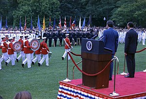 Luis Echeverría - US President Richard Nixon (left) and Luis Echeverría reviewing US troops (1972).