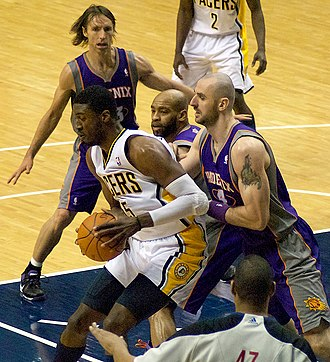 Roy Hibbert - Hibbert posts up Marcin Gortat in 2011