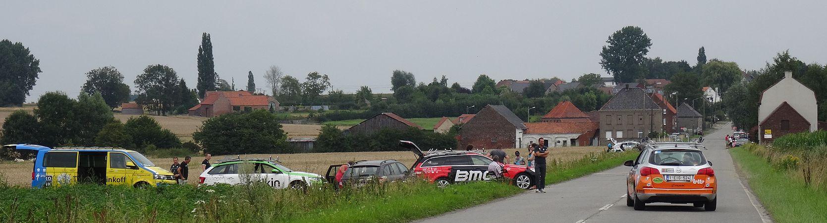 Rumillies (Tournai) - Tour de Wallonie, étape 1, 26 juillet 2014, ravitaillement (A06).JPG