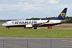 Ryanair, EI-FOG, Boeing 737-8AS (35841770626).jpg
