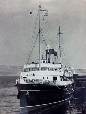 SS Victoria (1907) - Victoria berthed alongside the Battery Pier, Douglas.