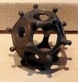 Saalburg römischer Pentagondodekaeder.jpg
