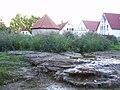 Salzkotten Kütfelsen mit Brunnenhaus.jpg