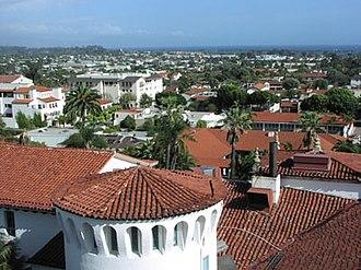 Santa Barbara County Courthouse - Image: Santa barbara red tile roofs 2