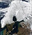 Satellitbild över Sverige 15 mars 2002.jpg