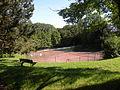 Seraincourt (Val-d'Oise) terrain tennis.JPG