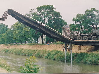 Military engineering - The French Engineering Arm laying a bridge