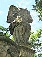 Socha anděla u brány k areálu kostela ve Starých Křečanech (Q104983709) 02.jpg