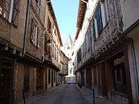 Sorèze (Tarn, Fr) ruelle aux colombages.JPG