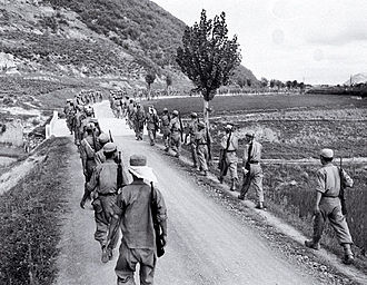 Battle of Kyongju - ROK troops advance to the front lines near P'ohang-dong in 1950.