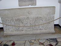 St. Peter's Basilica-tomb2.JPG