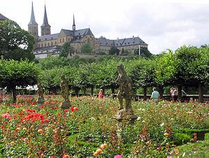 Bamberg – St. Michael vom Rosengarten aus gesehen