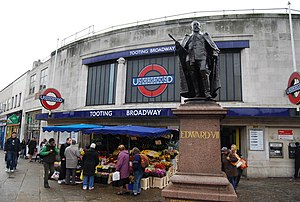 Tooting Broadway tube station - Station entrance and statue of Edward VII