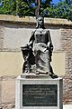 Statue of Isabel the Catholic, Alcala de Henares (29406331415).jpg