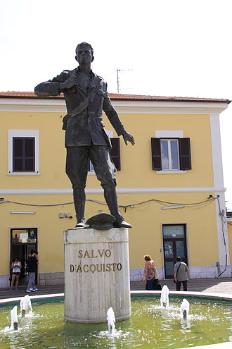 Salvo D'Acquisto - Statue of Salvo D'Acquisto, located in front of the train station at Cisterna, Italy
