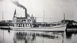 E. J. Bellocq - Photo of steamer launched in New Basin Canal for excursion to Lake Pontchartrain's north shore, August 19, 1908, photo by E. J. Bellocq