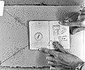 Stempel circus Enkelaar in paspoort in verband met Indonesie reis, Bestanddeelnr 924-9131.jpg