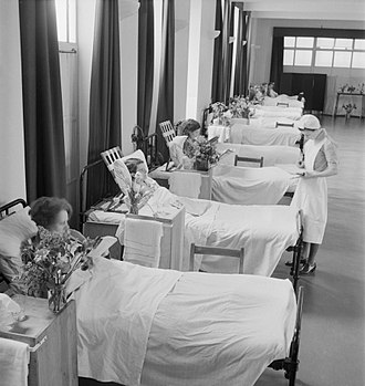 St Helier Hospital - A ward at St Helier Hospital in 1943