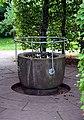 Stuttgart Höhenpark Killesberg Brunnen im Hainbuchenrondell.JPG