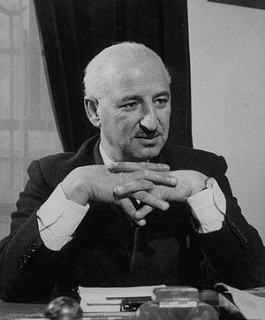 Suleiman Nabulsi - Suleiman Nabulsi in his study