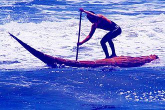 Huanchaco - Image: Surfing en caballito de totora en Huanchaco