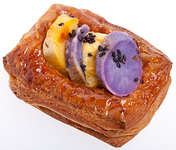 English: Sweet potato flaky pastry, typical in...