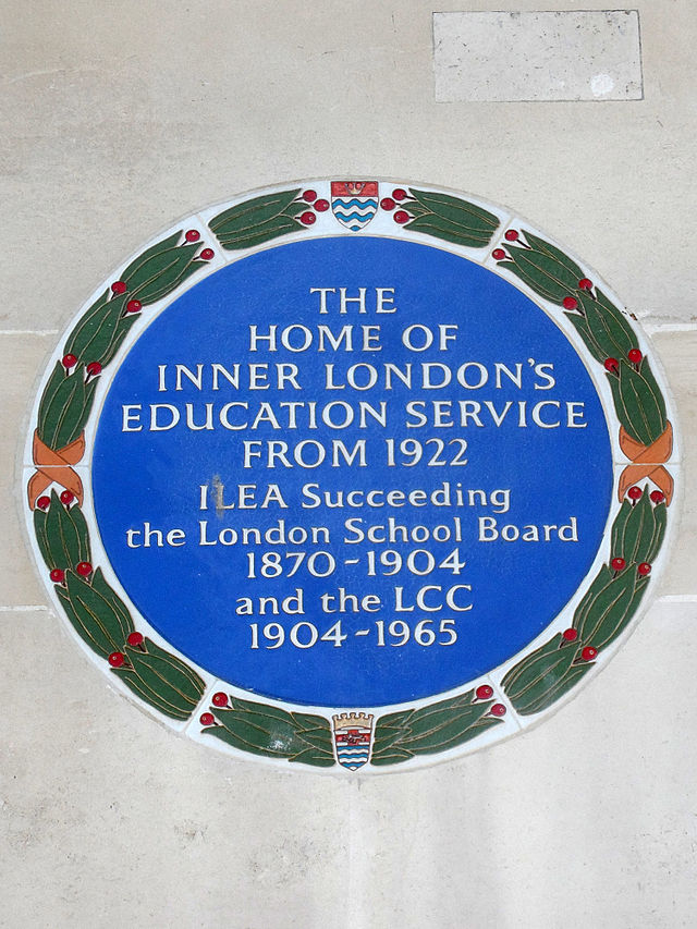 Inner London Education Authority blue plaque - The home of Inner London's Education Service from 1922 ILEA succeeding the London School Board 1870-1904 and the LCC 1904-1965