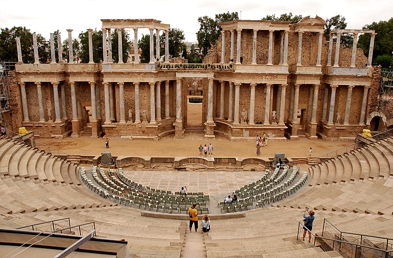 File:Teatro Romano de Mérida (Badajoz, España) 02.jpg