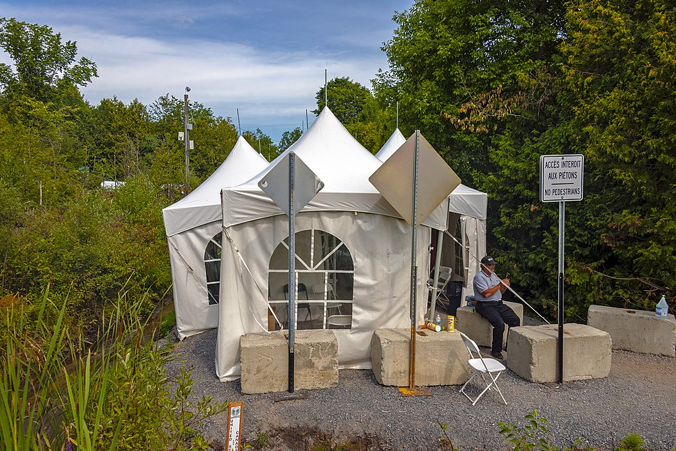 Tents for asylum seeker processing on Canadian side of Roxham Road border