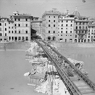 Ponte Santa Trinita - Bailey bridge built on the piers of the original Ponte Santa Trinita.