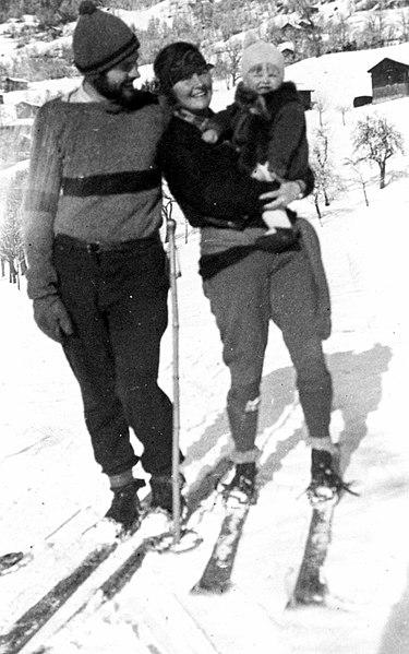 File:The Hemingway family, Shruns, Austria, 1925.jpg