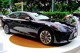 The frontview of Lexus LS500h EXECUTIVE CN-Spec in Tianhe 14 (2018-11-04)