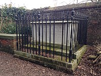 Tomb of John Constable and family.jpg