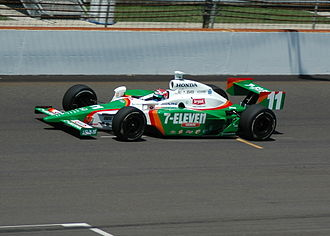 Tony Kanaan - Kanaan practicing for the 2007 Indianapolis 500