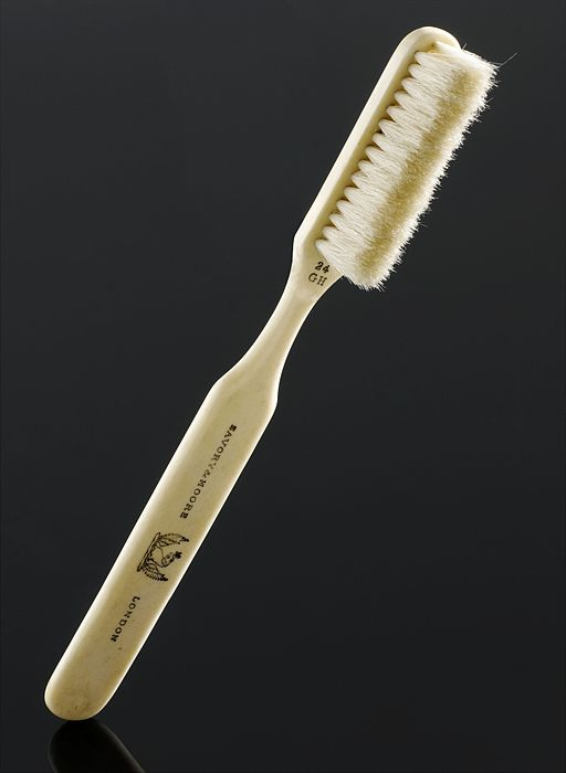 Toothbrush, London, England, 1861-1902 Wellcome L0058111