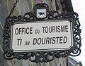 Tourism office Carhaix bilingual sign.jpg
