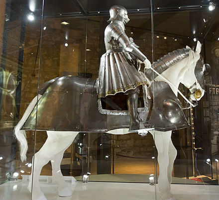 An early armour of Henry VIII with a contemporary horse armour. Indicative of the appearance of English men-at-arms at the battle. Royal Armouries. Tower of London (8145526931).jpg