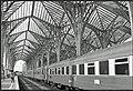 Train at Gare do Oriente in 2009-06-09.jpg