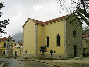 Cathedral of the Nativity of the Blessed Virgin Mary, Trebinje - Image: Trebinje, katolicky kostel z 18. stol, vez znicena 1992