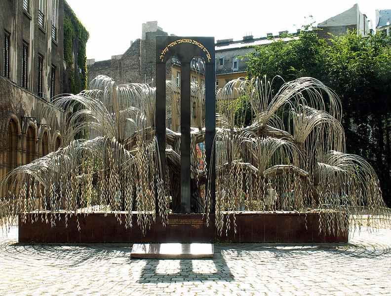 File:Tree of Life (Holocaust memorial).jpg