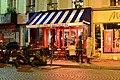 Un Zèbre à Montmartre 38 Rue Lepic (Paris) 2012-10-07.jpg