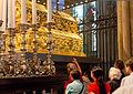 Unterschreiten des Dreikönigenschreins zum 850. Jahrestag Translatio.jpg